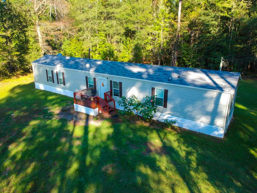 2027 County Line Road Cross, SC 29436