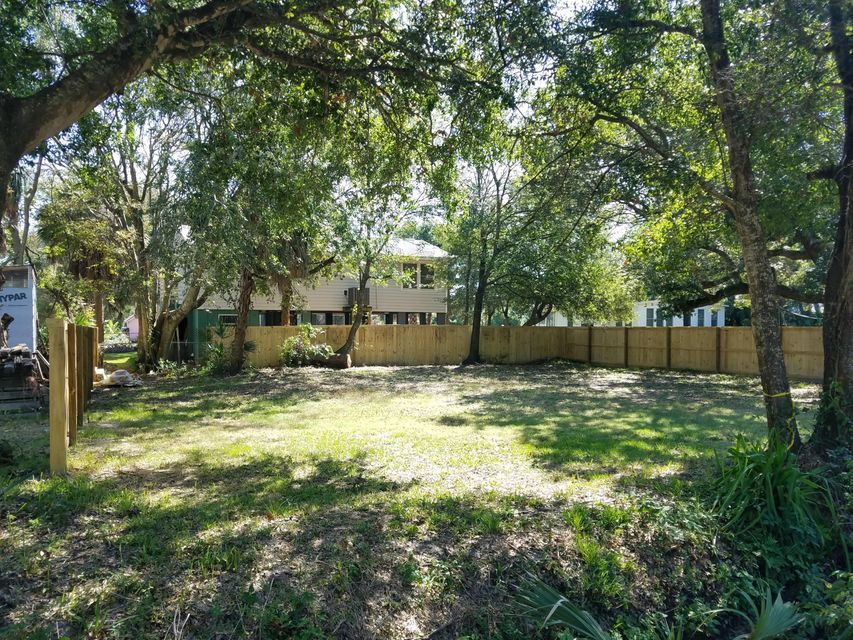 207 E Cooper Avenue Folly Beach, SC 29439