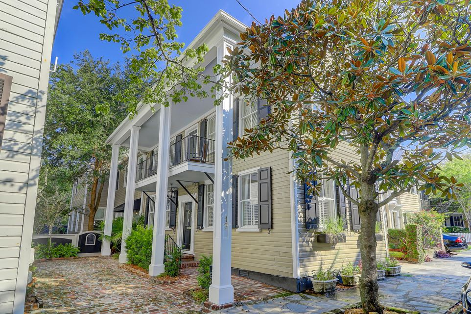 17 Savage Street Charleston, SC 29401
