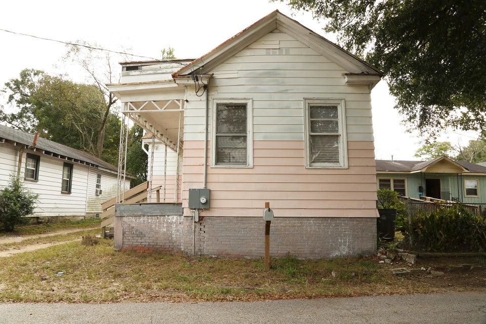 3323 Proctor Street North Charleston, SC 29405