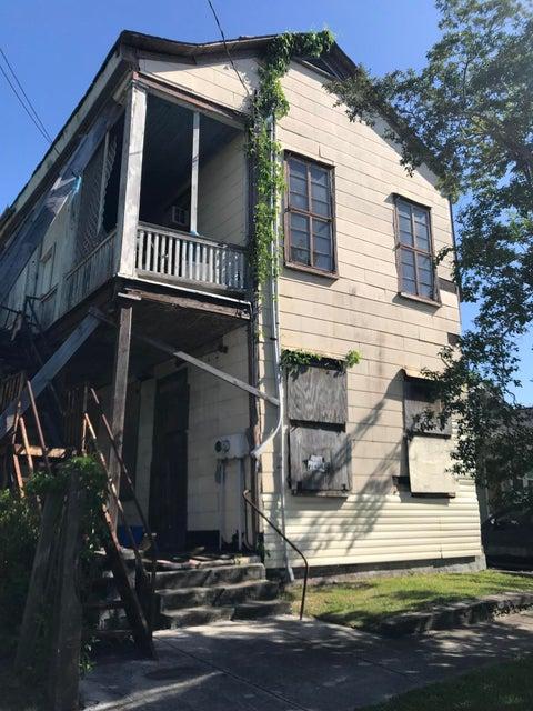 34 Lenox Street Charleston, SC 29403