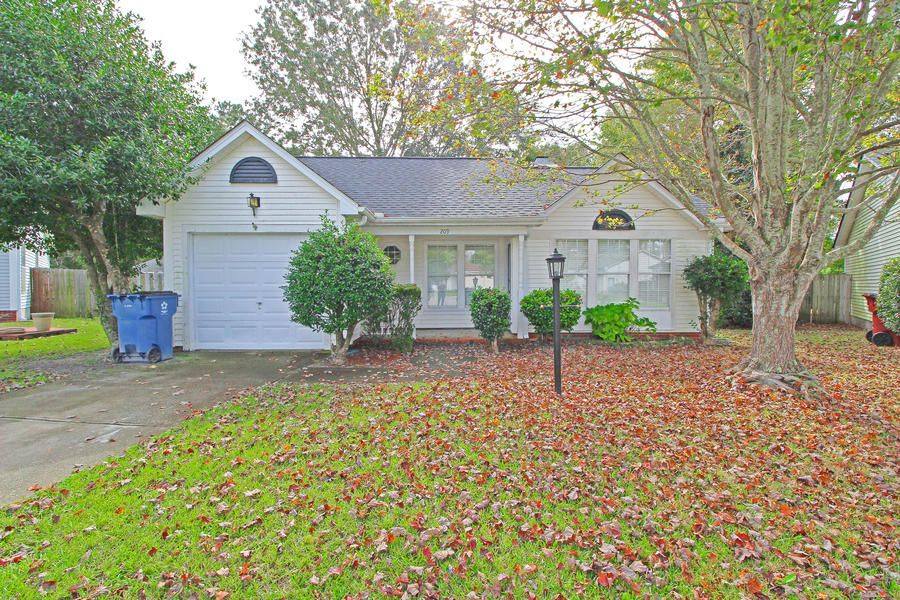 209 Lynton Court Goose Creek, SC 29445