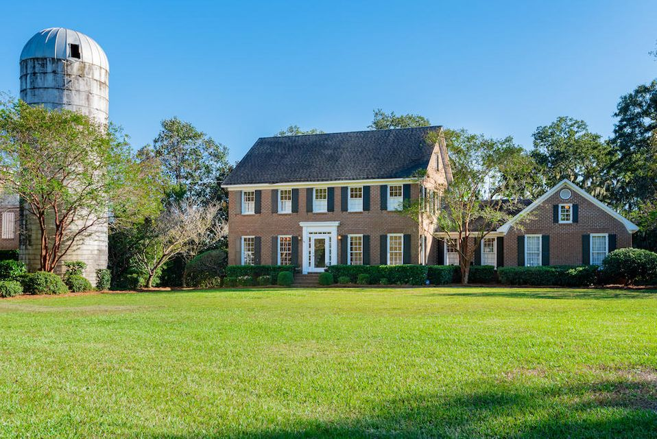 915 Paul Revere Court Charleston, SC 29412