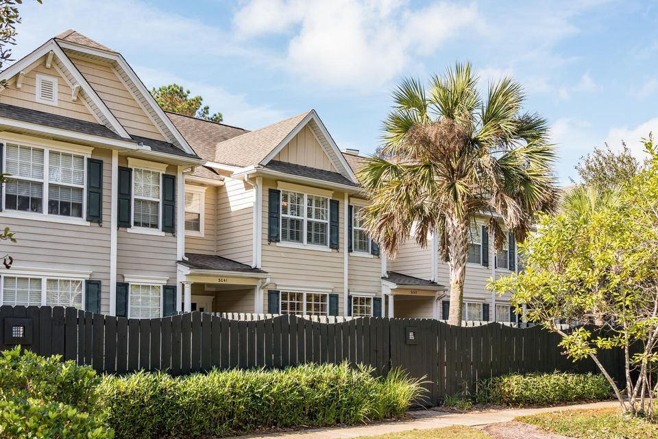 3041 Park West Boulevard Mount Pleasant, SC 29466