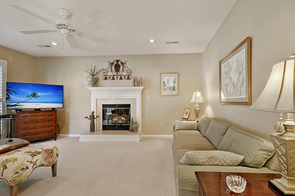 2040 Middleburg Lane Mount Pleasant, SC 29464