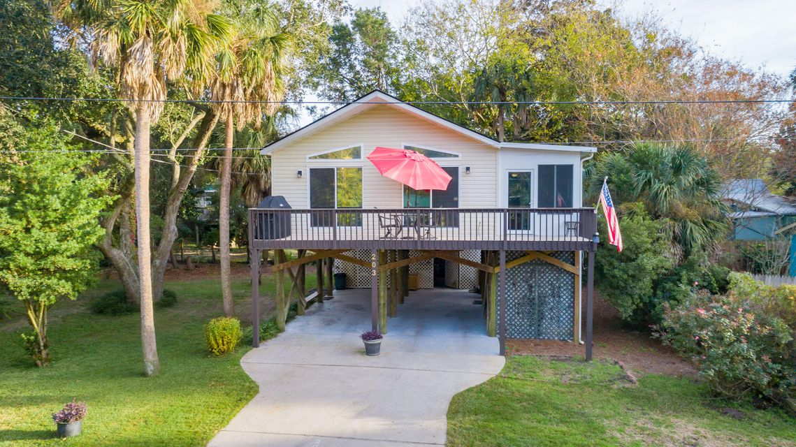 203 E Huron Avenue Folly Beach, SC 29439