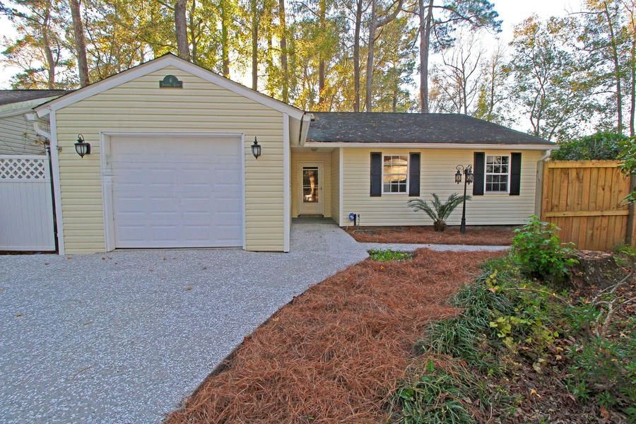 6 Duchess Court Summerville, SC 29485