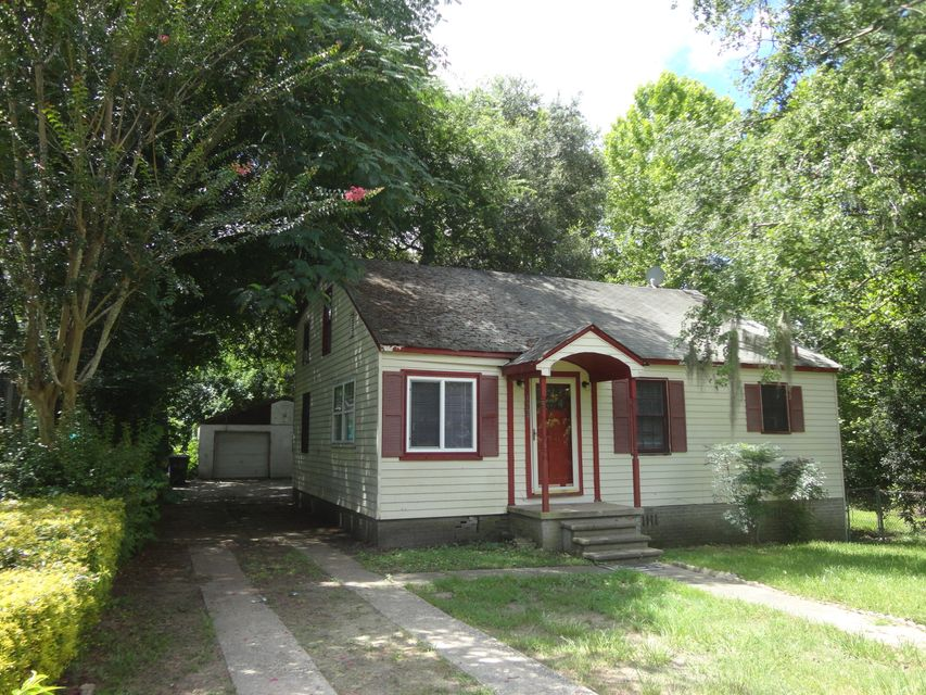 1227 Sumner Avenue North Charleston, SC 29406