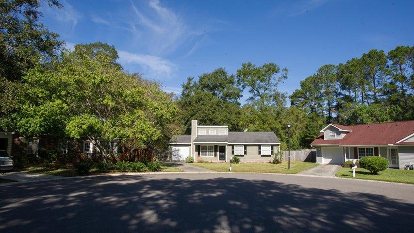 101 Laurel Ridge Road, North Charleston, SC 29418