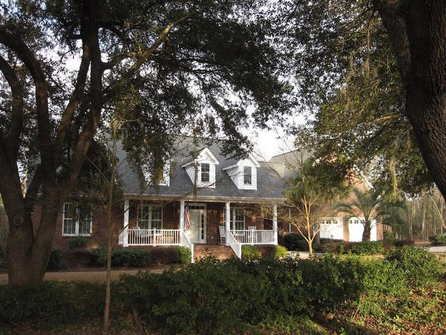 7 Fairway Drive, Manning, SC 29102