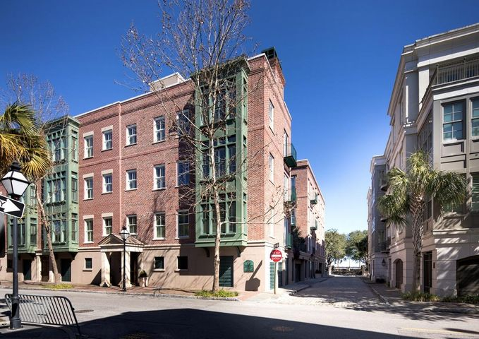 32 Prioleau Street, Charleston, SC 29401