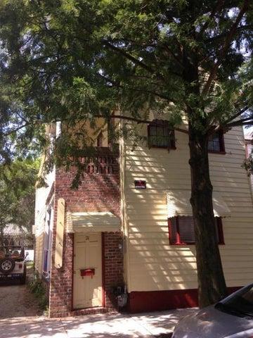 21 America, Charleston, SC 29403