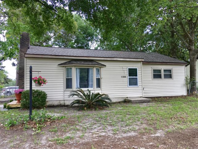 1123 Yeamans Hall Road, Hanahan, SC 29410