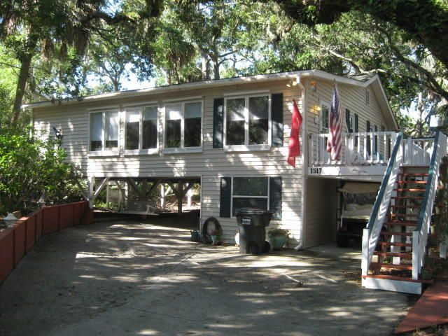 Beachwalk cottage with Direct Beach Access
