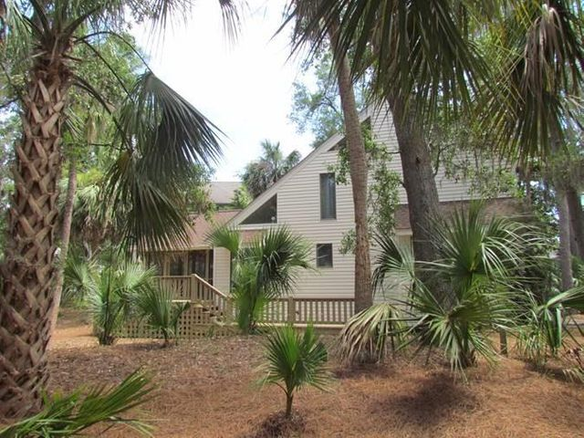 27 Pender Lane, Edisto Beach, SC 29438