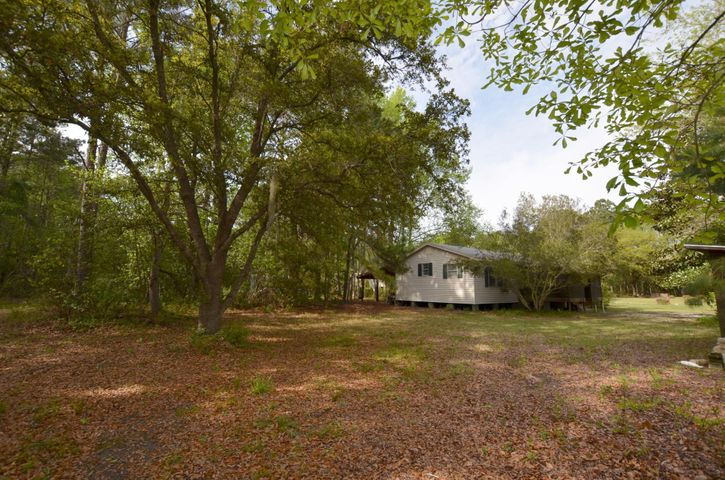 502 Brailsford Road, McClellanville, SC 29458