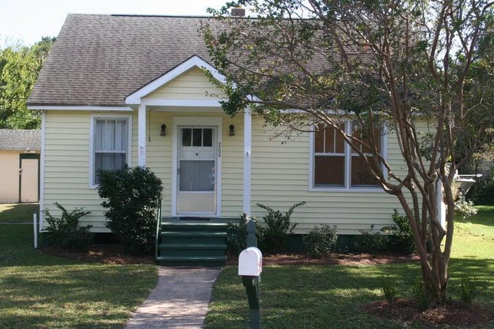 2205 Myrtle Avenue, Sullivans Island, SC 29482