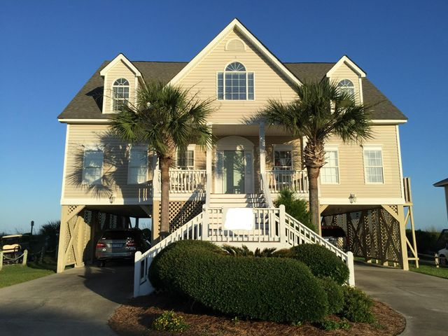 2201 Point Street Edisto Beach. View from the street.