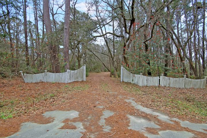 5558 Chisolm Road, Johns Island, SC 29455