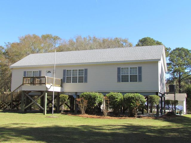 520 Fishing Creek Drive, Edisto Island, SC 29438