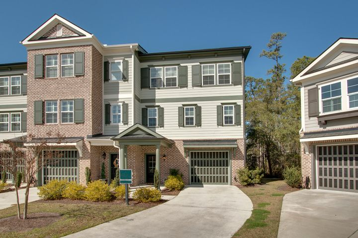 229 Slipper Shell Court, Mount Pleasant, SC 29464