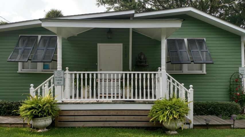 WONDERFUL BEACH HOUSE! ZONED DOWNTOWN COMMERCIAL