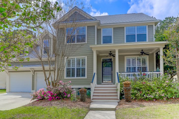 Immaculate home less than 10 minutes to Isle of Palms beach and tons of shopping/restaurants at Towne Centre and The Shoppes at Seaside Farms!