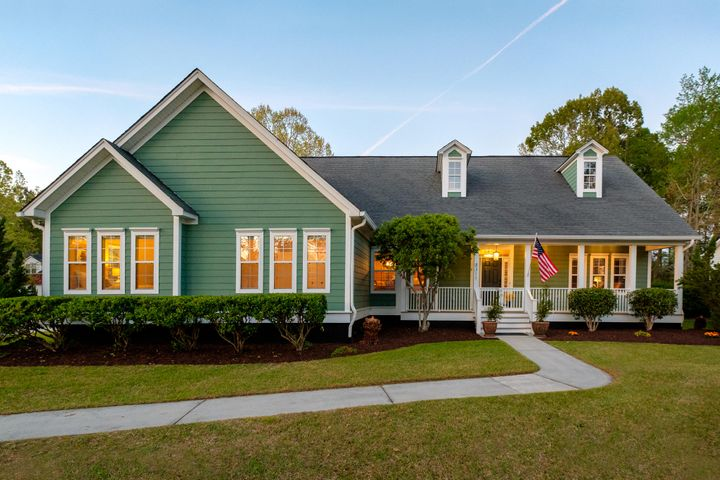 8311 Tyrian Path, North Charleston, SC 29418