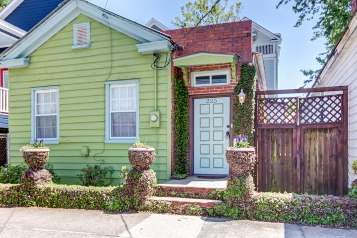 225 Fishburne Street, Charleston, SC 29403