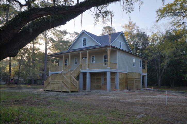 325 Mercantile Road, McClellanville, SC 29458