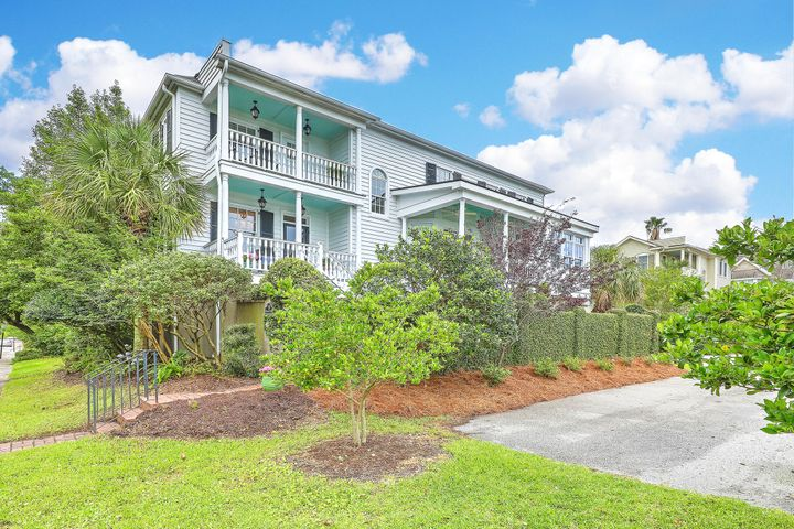 215 Wentworth Street, Charleston, SC 29401