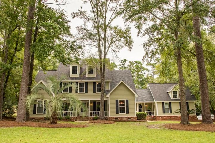 415 Country Club Boulevard, Summerville, SC 29483