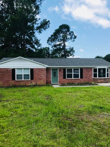 7637 Stonehaven Drive, North Charleston, SC 29420