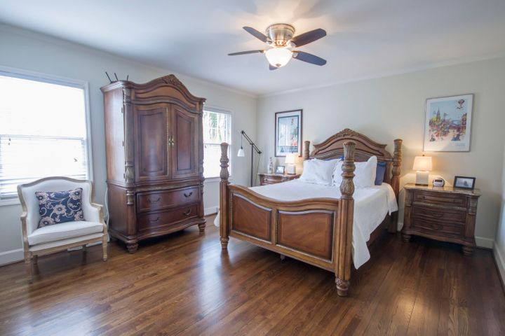 2 Colonial Street, Charleston, SC 29401