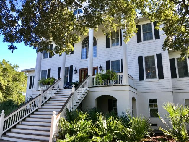 Impressive Traditional Southern Style