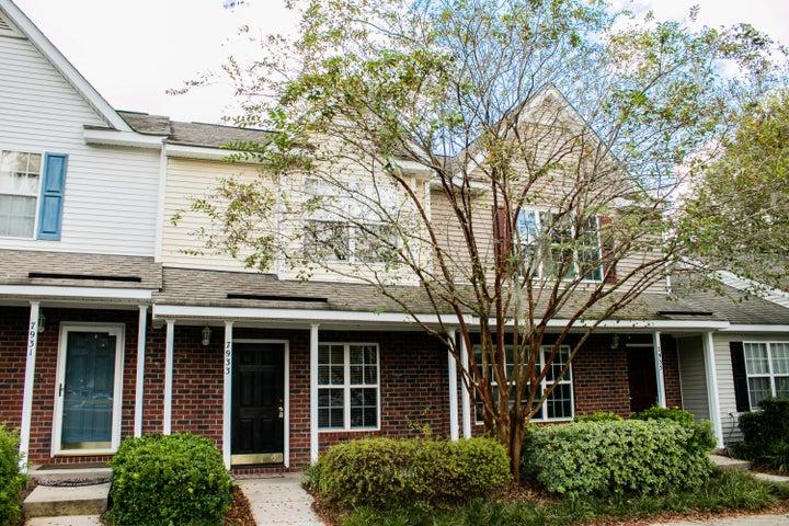 7933 Shadow Oak Drive, North Charleston, SC 29406