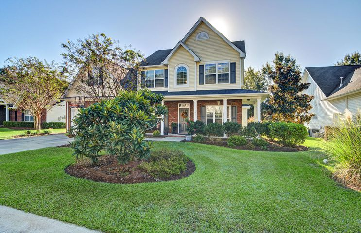 Welcome home to 106 La Costa Way!