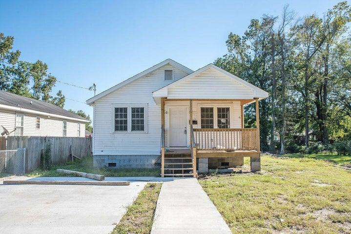 2113 James Bell Drive, North Charleston, SC 29406