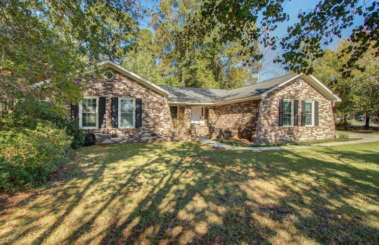 225 Pointer Drive, Summerville, SC 29485