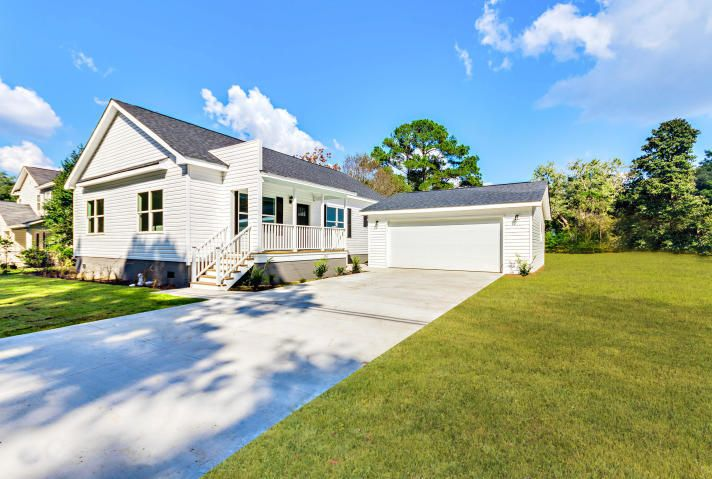 8730 Deerwood Drive, North Charleston, SC 29406