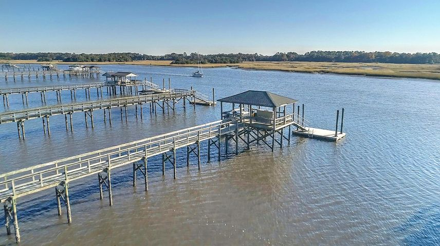 True deep water dock. Shared walkway and covered pier head with individually owned 12x20 floater