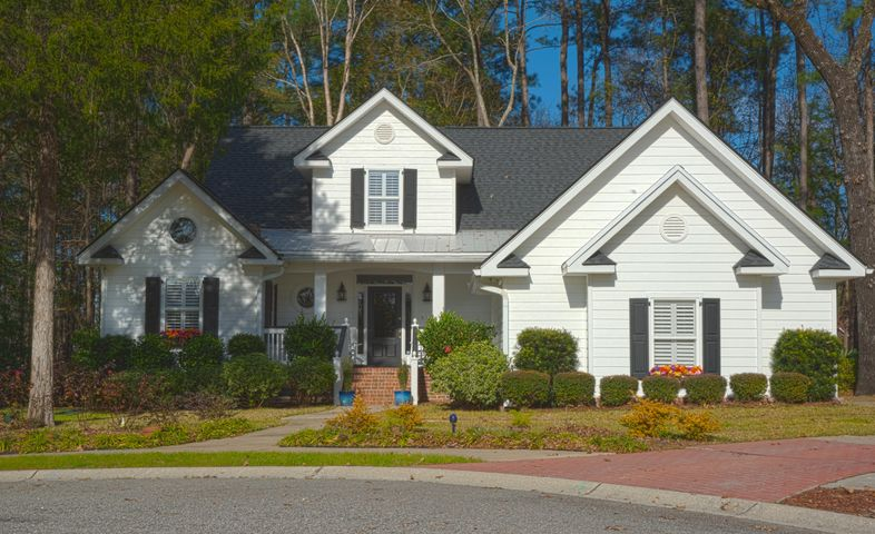 8645 Woodland Walk, North Charleston, SC 29420