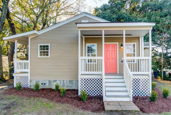 3885 Hottinger Avenue, North Charleston, SC 29405