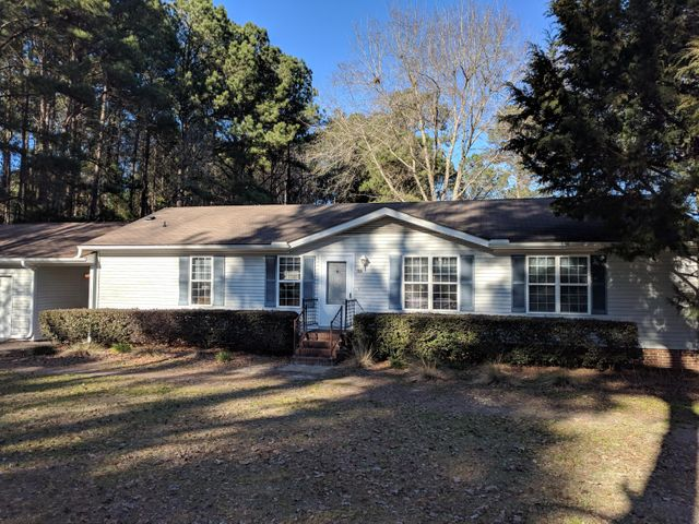 155 Meredith Drive, Eutawville, SC 29048