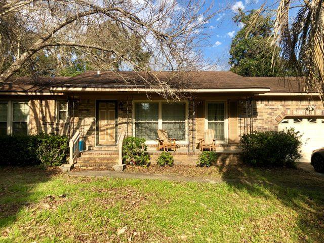1409 Glencoe Drive, Mount Pleasant, SC 29464