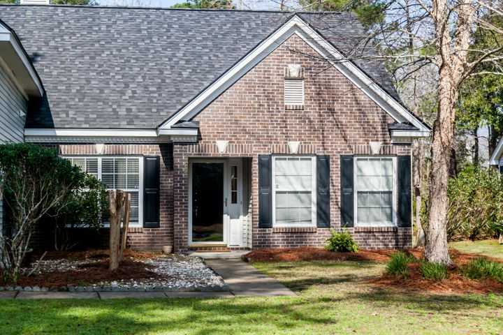 554 Pointe Of Oaks Road, Summerville, SC 29485