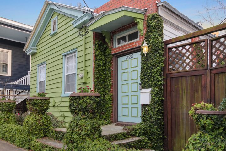225 Fishburne Street, Charleston, SC 29403