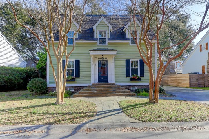 CHARMING 3 BEDROOM HOME IN A FABULOUS LOCATION