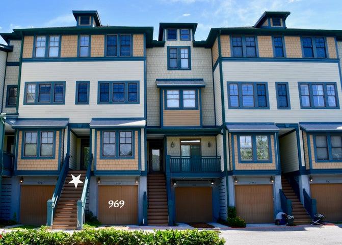 969 Cove Bay Lane, Mount Pleasant, SC 29464