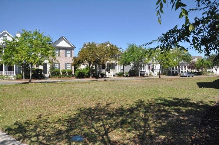 1712 Paradise Lake Drive, Mount Pleasant, SC 29464